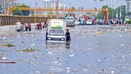 کراچی میں جاری آفت