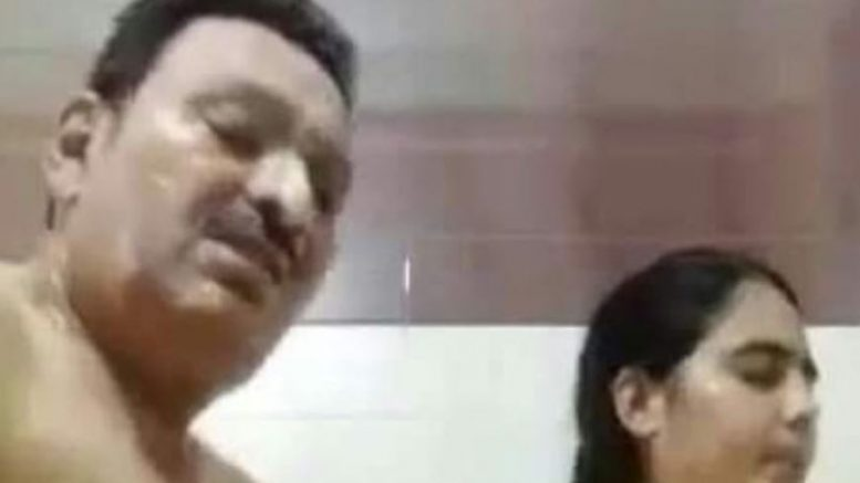 Full Viral Video of DG Narc Lutf Ullah Niazi and Tabassum Nazir